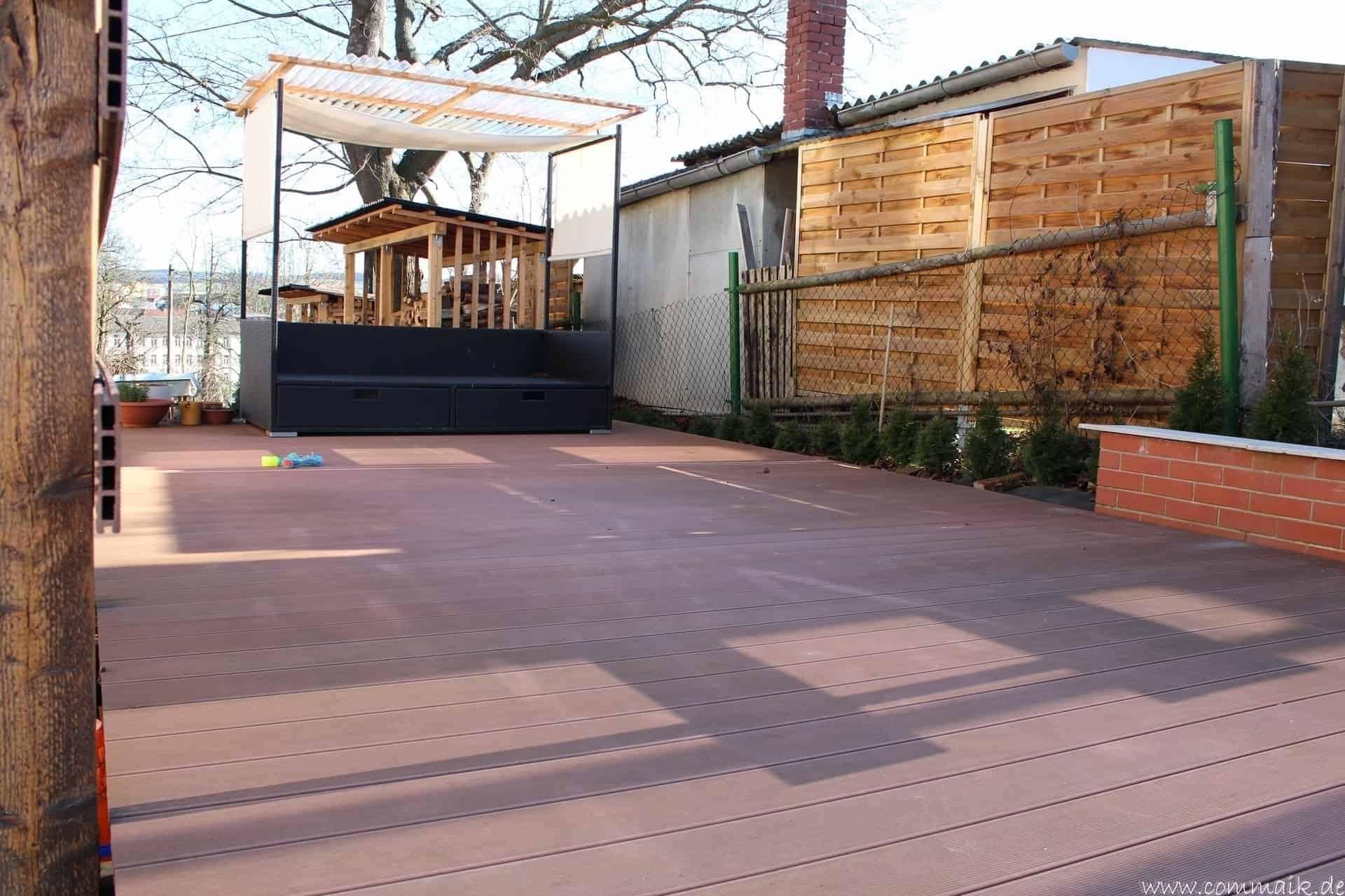 eine terrasse mit wpc terrassendielen bauen commaik. Black Bedroom Furniture Sets. Home Design Ideas
