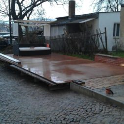 wpc terrassenbau 100 - Aufbringen der WPC Terrassendielen