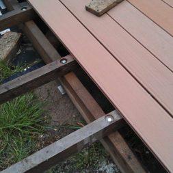 wpc terrassenbau 93 - Aufbringen der WPC Terrassendielen