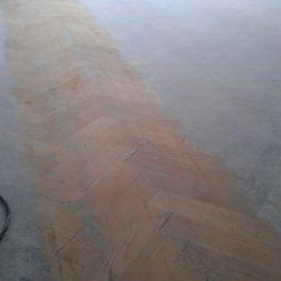 echtholzparkett aufarbeiten wohnung23 - Eichen Echtholz Parkett aufbereiten und kaputte Stäbe auswechseln