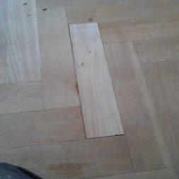 echtholzparkett reparieren wohnung214 - Eichen Echtholz Parkett aufbereiten und kaputte Stäbe auswechseln