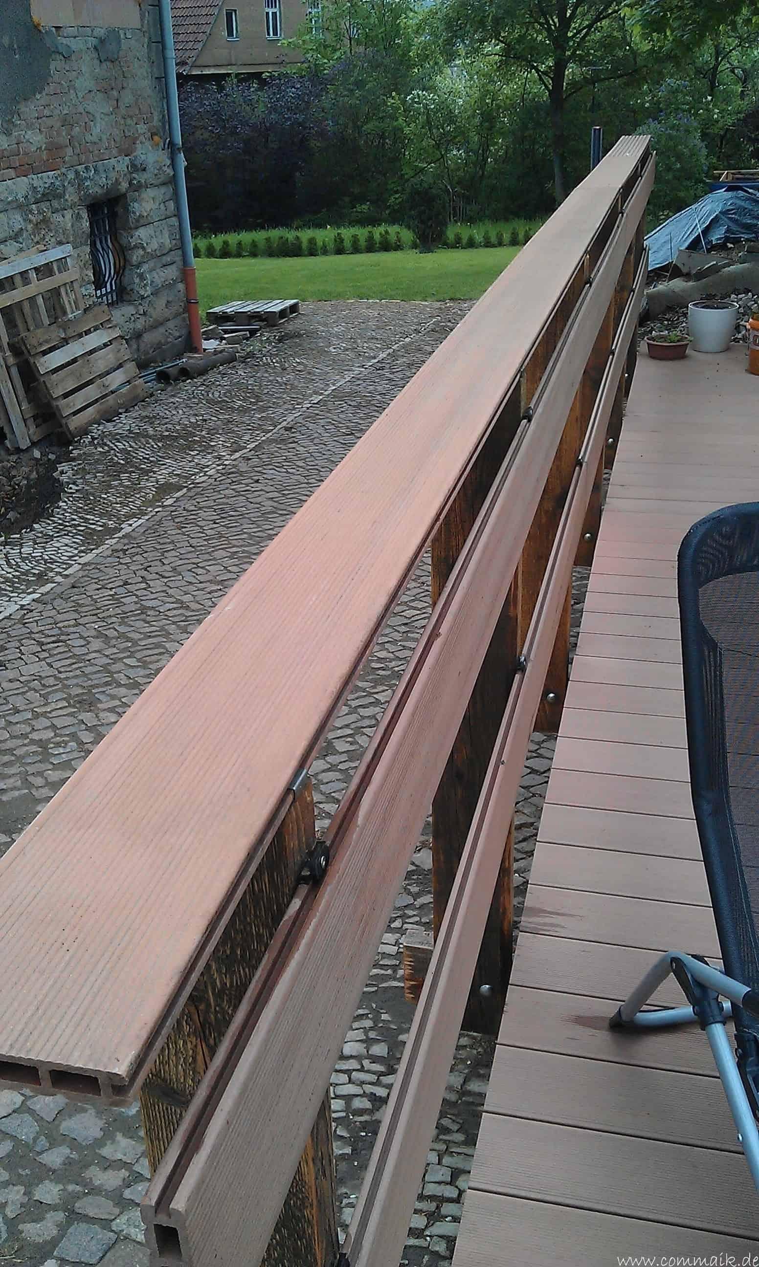 Die Terrasse bekommt ihr Geländer