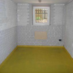 2003 12 31 008 0021 - Bildergalerie - Der Keller