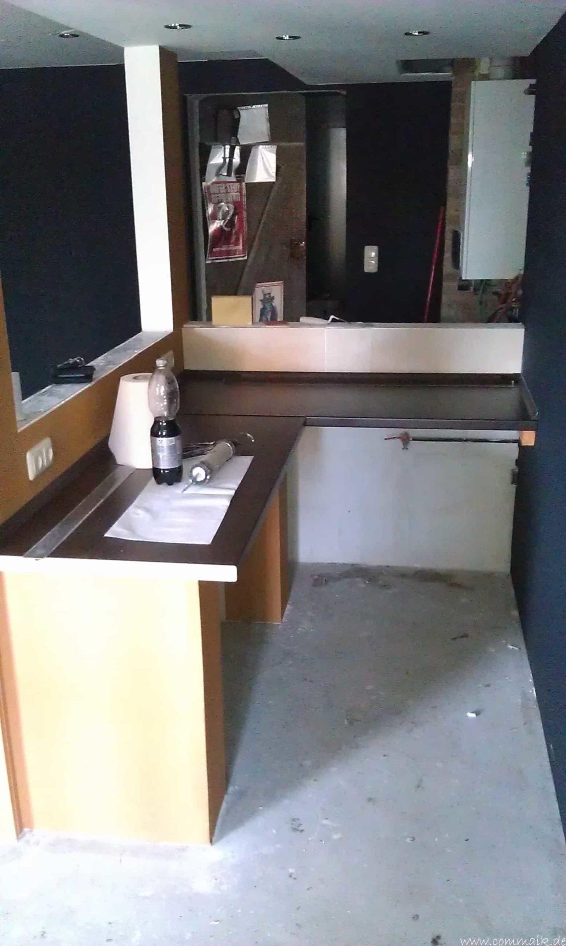 arbeitsplatte bartresen im keller1 - Partyraum im Keller - Die Bar bekommt eine Arbeitsplatte