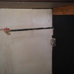 arbeitsplatte bartresen im keller7 - Partyraum im Keller - Die Bar bekommt eine Arbeitsplatte