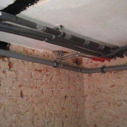 buero im keller bauen10 - Trockenbau und Sanitärinstallation im Keller - Die Kundentoilette entsteht