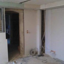buero im keller bauen46 - Das Maklerbüro im Keller wird fertig gebaut