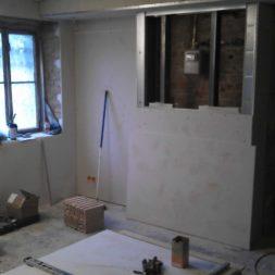 buero im keller bauen48 - Das Maklerbüro im Keller wird fertig gebaut