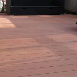 wpc terassendiele reinigen10 - WPC Terrassendiele mit Hochdruck reinigen