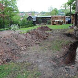 aufschachten zum trockenlegen des kellers19 - Trockenlegung des Hauses – Freilegen des Kellerfundaments