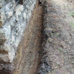 aufschachten zum trockenlegen des kellers3 - Trockenlegung des Hauses – Freilegen des Kellerfundaments