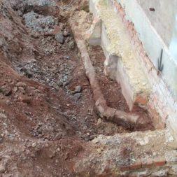 aufschachten zum trockenlegen des kellers8 - Trockenlegung des Hauses – Freilegen des Kellerfundaments