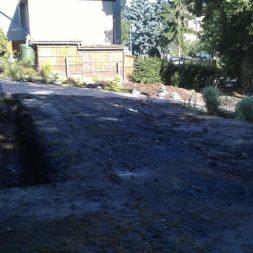 trockenlegen abtransport erde 4 - Trockenlegung des Hauses – Freilegen des Kellerfundaments