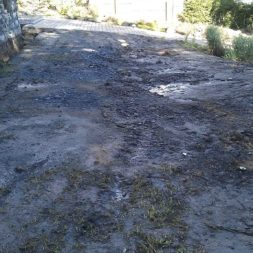 trockenlegen abtransport erde 8 - Trockenlegung des Hauses – Freilegen des Kellerfundaments