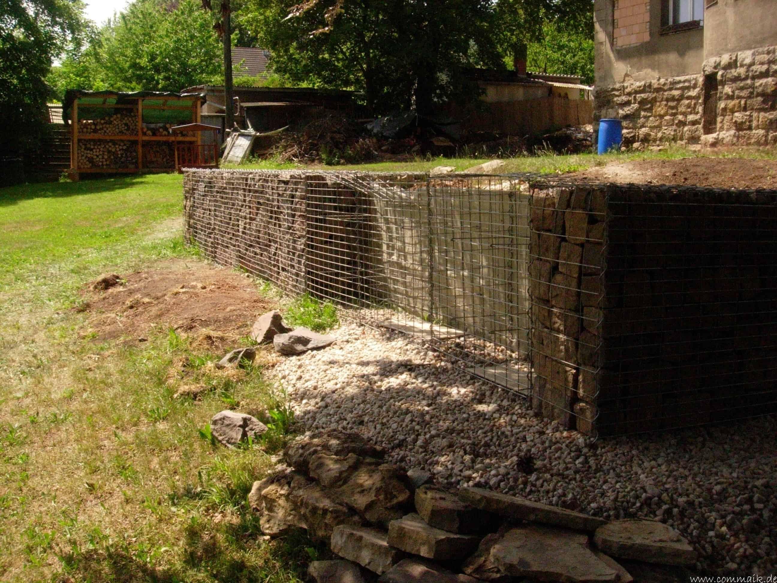 Extrem Der Bau unserer Gabionen Terrasse zum Abfang des Hangs | commaik ZT44