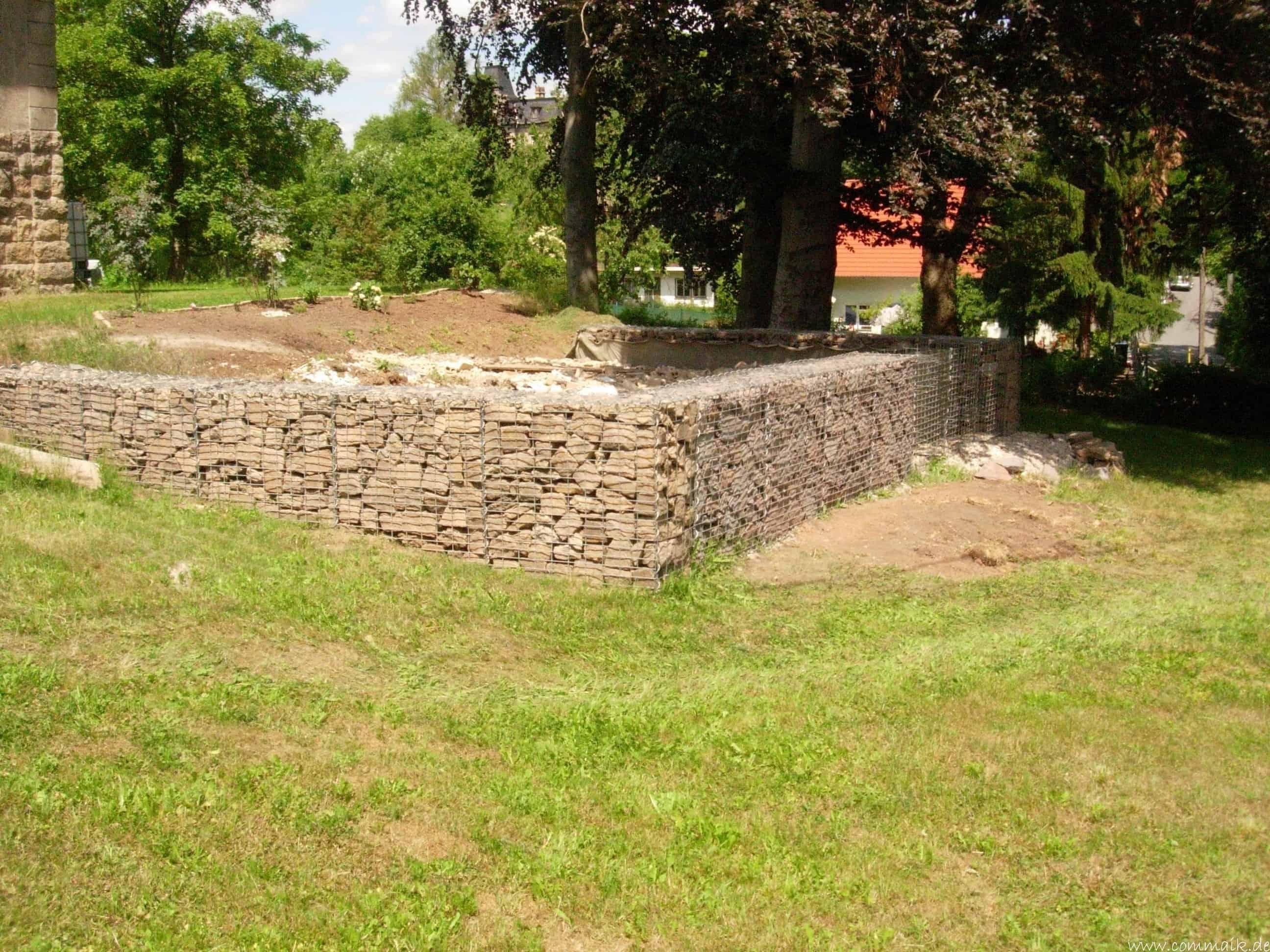 Berühmt Der Bau unserer Gabionen Terrasse zum Abfang des Hangs | commaik HR03