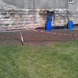 rasenanlegen nach dem trockenlegen 3 - Trockenlegung des Hauses - Einbringen von Drainage und Wasserrohren