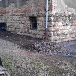trockenlegung des keller verfuellen des graben 11 - Trockenlegung des Hauses - Einbringen von Drainage und Wasserrohren