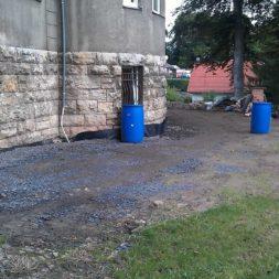 trockenlegung des keller verfuellen des graben 12 - Trockenlegung des Hauses - Einbringen von Drainage und Wasserrohren