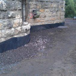 trockenlegung des keller verfuellen des graben 13 - Trockenlegung des Hauses - Einbringen von Drainage und Wasserrohren