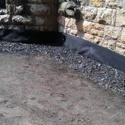 trockenlegung des keller verfuellen des graben 14 - Trockenlegung des Hauses - Einbringen von Drainage und Wasserrohren