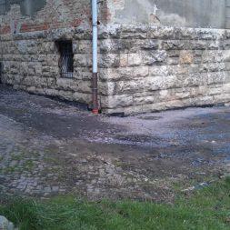 trockenlegung des keller verfuellen des graben 18 - Trockenlegung des Hauses - Einbringen von Drainage und Wasserrohren