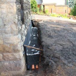 trockenlegung keller einbringen rohre drainage 14 - Trockenlegung des Hauses - Einbringen von Drainage und Wasserrohren