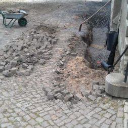 trockenlegung keller einbringen rohre drainage 3 - Trockenlegung des Hauses - Einbringen von Drainage und Wasserrohren