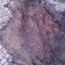 trockenlegung keller einbringen rohre drainage 5 - Trockenlegung des Hauses - Einbringen von Drainage und Wasserrohren