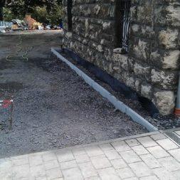 pflasterweg zum hintereingang anlegen 11 - Ein neuer Pflasterweg zum Hintereingang entsteht