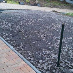 stellplatz am haus mit rasengitter anlegen 12 - Einen Parkplatz mit Gabionen und Rasengittern bauen