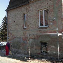 neuverputzen der nord fassade 11 - Die Nord-Fassade wird neu verputzt
