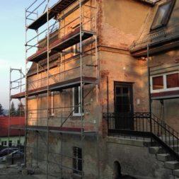 neuverputzen der nord fassade 14 - Die Nord-Fassade wird neu verputzt