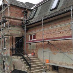 neuverputzen der nord fassade 22 - Die Nord-Fassade wird neu verputzt
