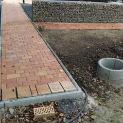 bau eines blockbohlenhaus im garten 1 - Der Bau einer Blockbolengarage im Garten