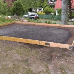 bau eines blockbohlenhaus im garten 15 - Der Bau einer Blockbolengarage im Garten