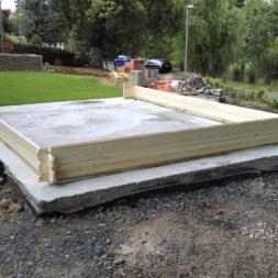 bau eines blockbohlenhaus im garten 44 - Der Bau einer Blockbolengarage im Garten