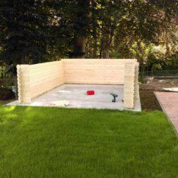 bau eines blockbohlenhaus im garten 46 - Der Bau einer Blockbolengarage im Garten