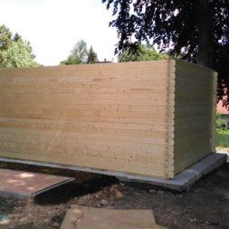bau eines blockbohlenhaus im garten 49 - Der Bau einer Blockbolengarage im Garten