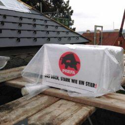 dach mit prefa alublech eindecken 28 Kopie 2 - Der PREFA Stier kommt auf das Dach