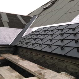 dach mit prefa alublech eindecken 29 - Der PREFA Stier kommt auf das Dach