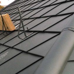 dach mit prefa alublech eindecken 41 - Der PREFA Stier kommt auf das Dach