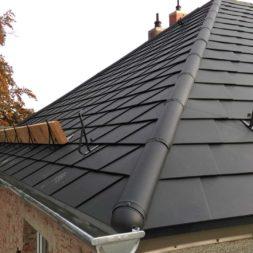 dach mit prefa alublech eindecken 42 Kopie - Der PREFA Stier kommt auf das Dach