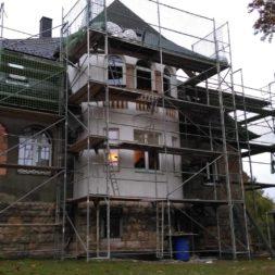 geruest dachdecker und fassade 22 - Der PREFA Stier kommt auf das Dach