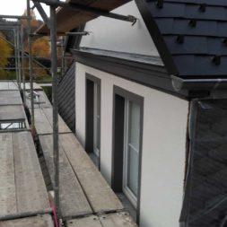geruest dachdecker und fassade 23 - Der PREFA Stier kommt auf das Dach