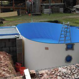 pool aufbau und anschluss 11 - Projekt Poolbau – Der Aufbau des Stahlwandpools
