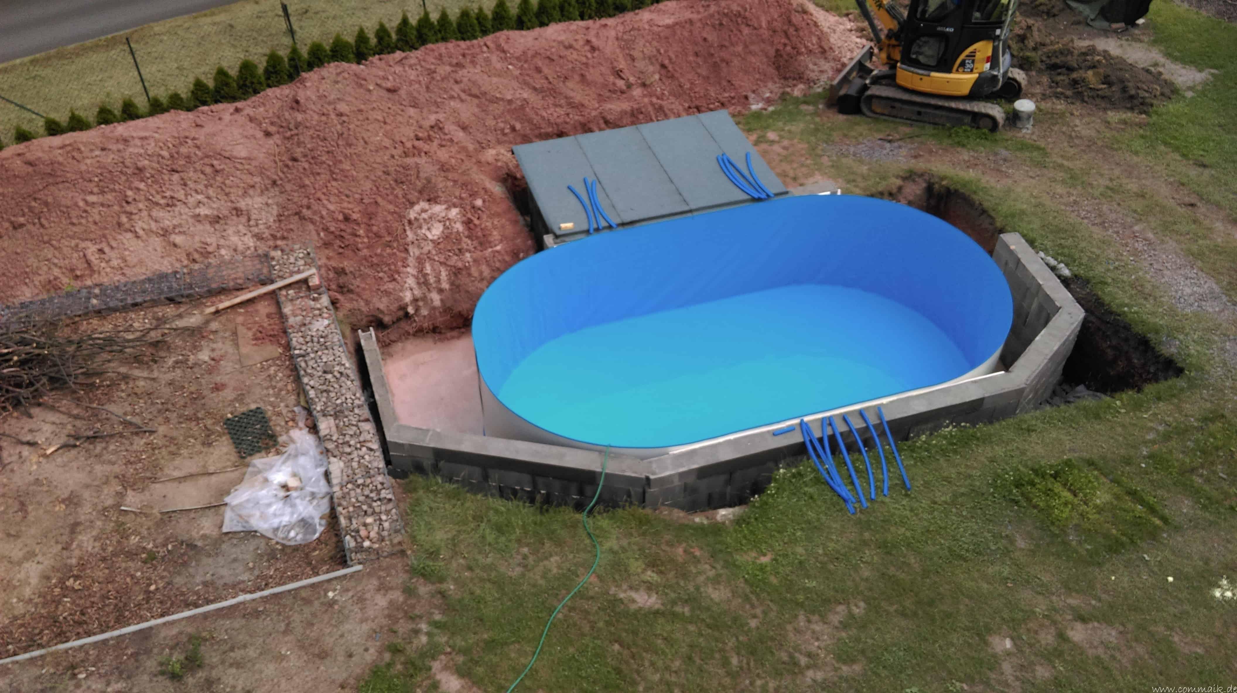 Projekt poolbau der aufbau des stahlwandpools commaik for Aufbau stahlwandpool