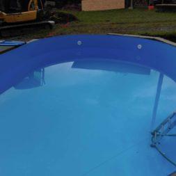 pool aufbau und anschluss 19 - Projekt Poolbau - Einbau von Skimmer, Düsen und dem Unterwasserscheinwerfer