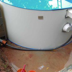 pool aufbau und anschluss 21 - Projekt Poolbau - Einbau von Skimmer, Düsen und dem Unterwasserscheinwerfer