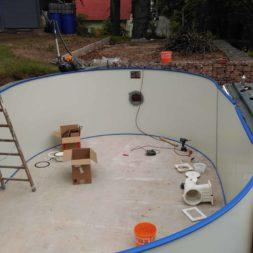 pool aufbau und anschluss 4 - Projekt Poolbau – Der Aufbau des Stahlwandpools